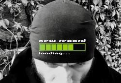 Шапка NEW RECORD LOADING...